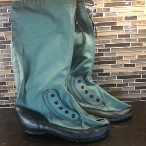 NWOT men's green wading fishing water boots